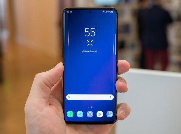 Дизайнер сравнил Samsung Galaxy S10, Galaxy S9 и iPhone XS Max в одном снимке
