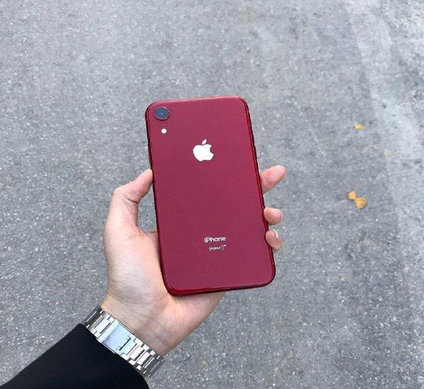 СМИ: Apple уменьшит объемы выпуска iPhone XR из-за низкого спроса