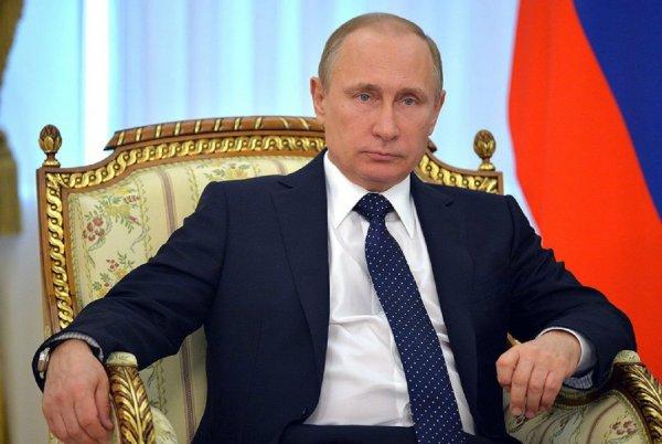 Путин лишил поста прокурора Москвы