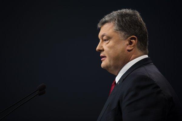 «Выследил и припугнул»: Убийство охранника Порошенко может закончиться смертью президента Украины