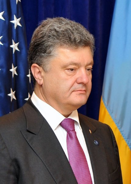 Порошенко отправил в Россию не желающих говорить на украинском соотечественников