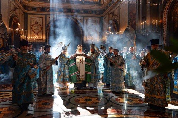РПЦ предложила новый налог из-за конфликта с Константинополем