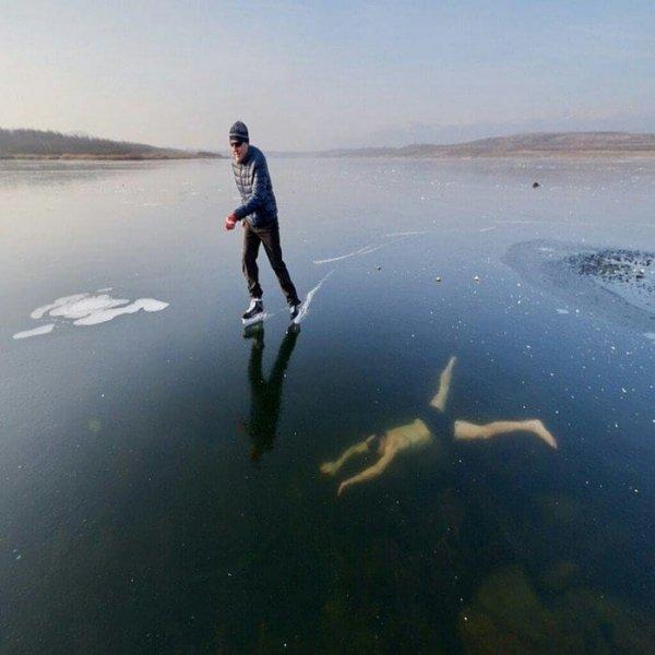 «Поднимает Россию со дна»: приморцы узнали «путинского» губернатора Кожемяко в голом мужчине подо льдом