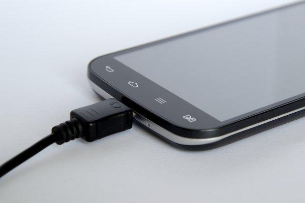 Появился способ заряжать Android-смартфоны быстрее