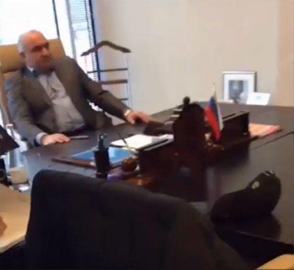 Замешан в двух убийствах: Сенатора Арашукова задержали во время заседания СФ