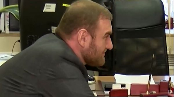 Сенатор Арашуков нагло ухмылялся в лицо следователя во время допроса