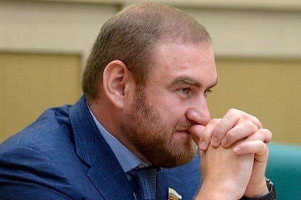 Отправленный в СИЗО «Лефортово» сенатор Арашуков отказался от тюремной еды