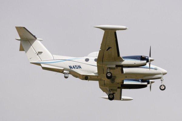 И снова здравствуйте!: Американский самолет-разведчик «висит» над Черным морем