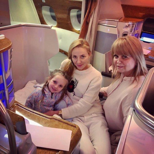 «Инстадура»: Татьяна Навка наплевала на правила безопасности при перелёте
