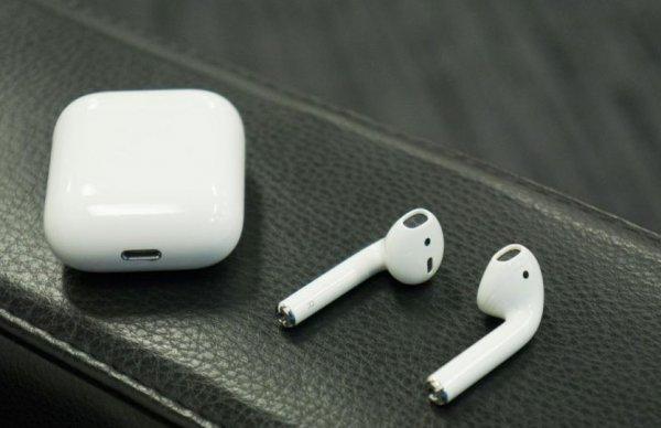 Дизайнер Apple рассказал о секрете AirPods