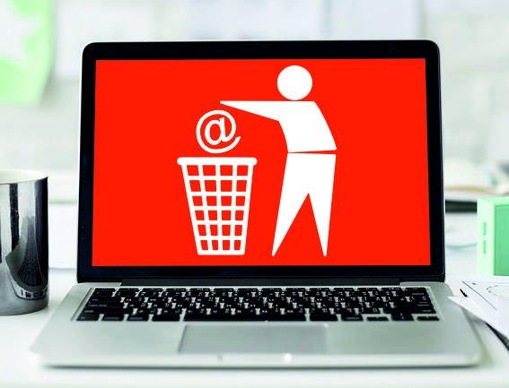 «Недруги из-за границы и коварные якоря»: Правительство намерено тестировать работу автономного интернета