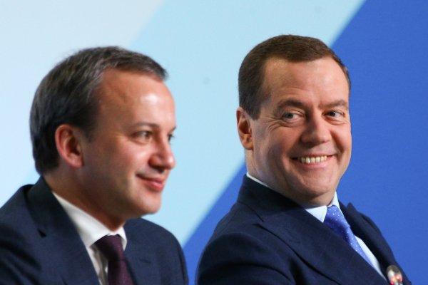 «Дворкович на прицеле»: Арестами Абызова и Арашуковых Сечин подбирается к Медведеву