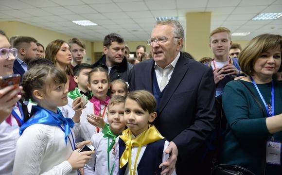 «Спал с 200 женщинами»: Жириновский боится алиментов из-за возможных притязаний внебрачных детей
