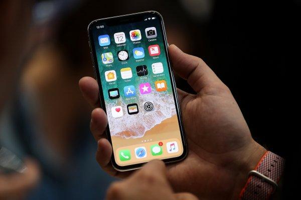 С полным зарядом обгонит и Android: Названы ТОП-5 способов продлить жизнь батареи любого iPhone