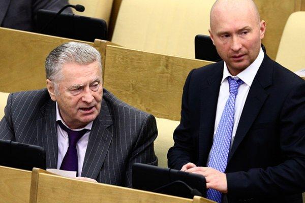 «Он не в меня»: Сын Жириновского терпит унижения отца ради «хлебного» места в ЛДПР