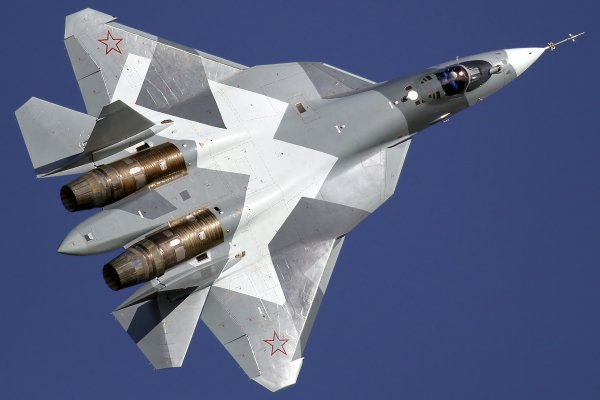 На оборонный сектор прольётся золотой дождь: Путин потребовал 76 истребителей Су-57