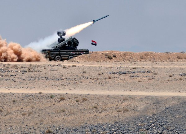 Арабы начали сбивать израильтян?: сирийские С-300 отразили удар по Дамаску