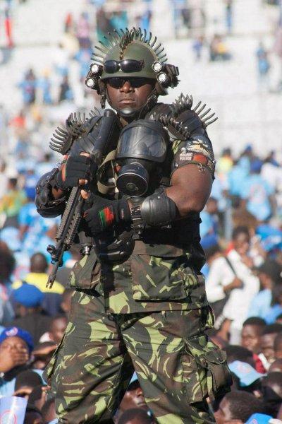 Бюждет Африки в одном автомате: Телохранитель №1 в мире безуспешно конкурирует с ФСБ «Альфа»