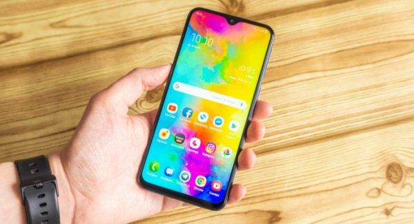 «Огонь смартфон». Бюджетный Samsung Galaxy M20 поражает функционалом