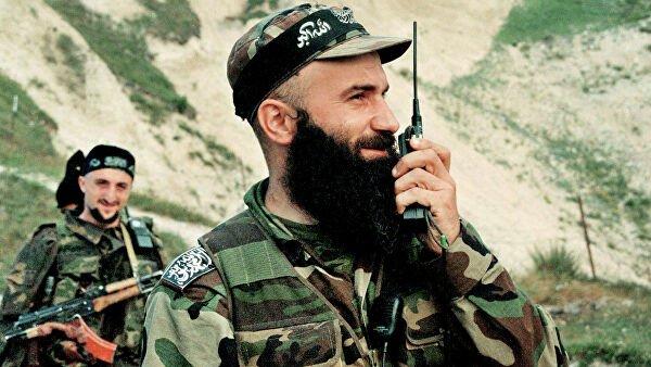 Террорист Шамиль Басаев служил в ВДВ и ГРУ — СМИ