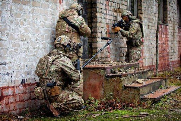 «...как бойцы германского спецназа»:  СОБР Росгвардии «Викинг» впечатлил  россиян снаряжением