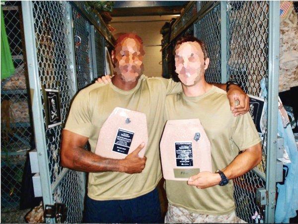 Спасибо, что живой: Два бойца «морских котиков» пережили смертельные ранения благодаря бронежилетам