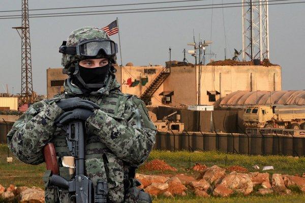 «Изгоняющий америкосов»: Российский спецназ «выхватил» базу морпехов США в Сирии