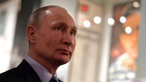 США пытаются убить Путина— для них это важнее, чем победить вгонке вооружений — эксперт
