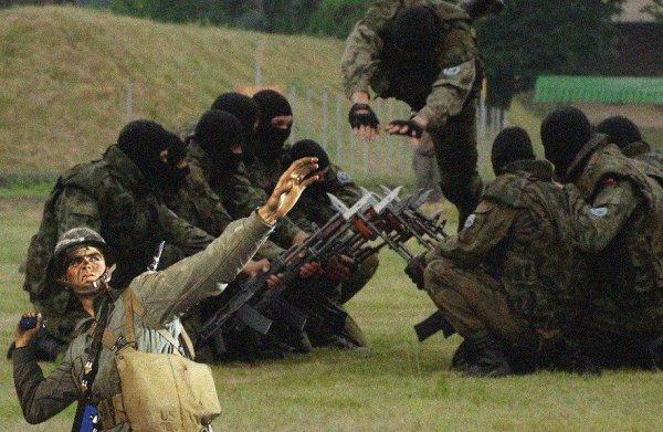 Живьём «кидаться» на гранаты обучают спецназ ЦСН ФСБ
