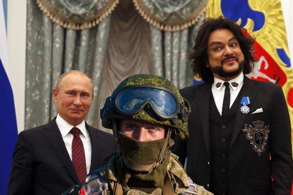 «...меньше чем у Киркорова!» Ветеран Чеченской раскритиковал «орденоносный шоу-бизнес» Путина