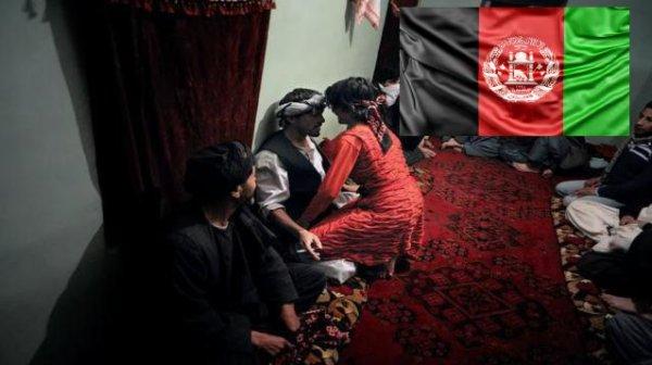 «Нужен приватный танец»... Талибан* выбирает боевиков из своих рабов-мальчиков