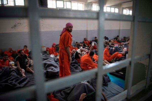Ливиец рассказал о тайных тюрьмах террористов ПНС под гражданскими объектами