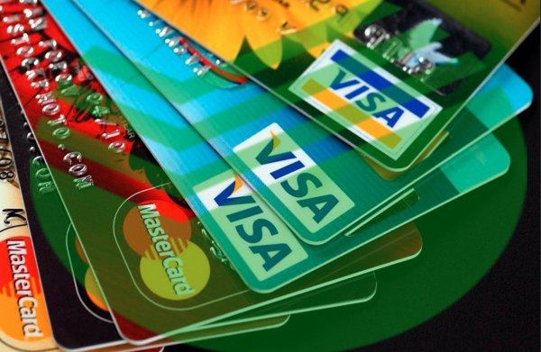 «Карты, деньги, два вора»: Сбербанк и Альфабанк отказывают россиянам и малому бизнесу в поддержке